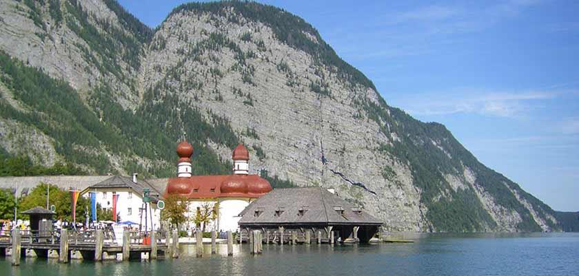 Lake Königssee in the Berchtesgaden National Park.jpg